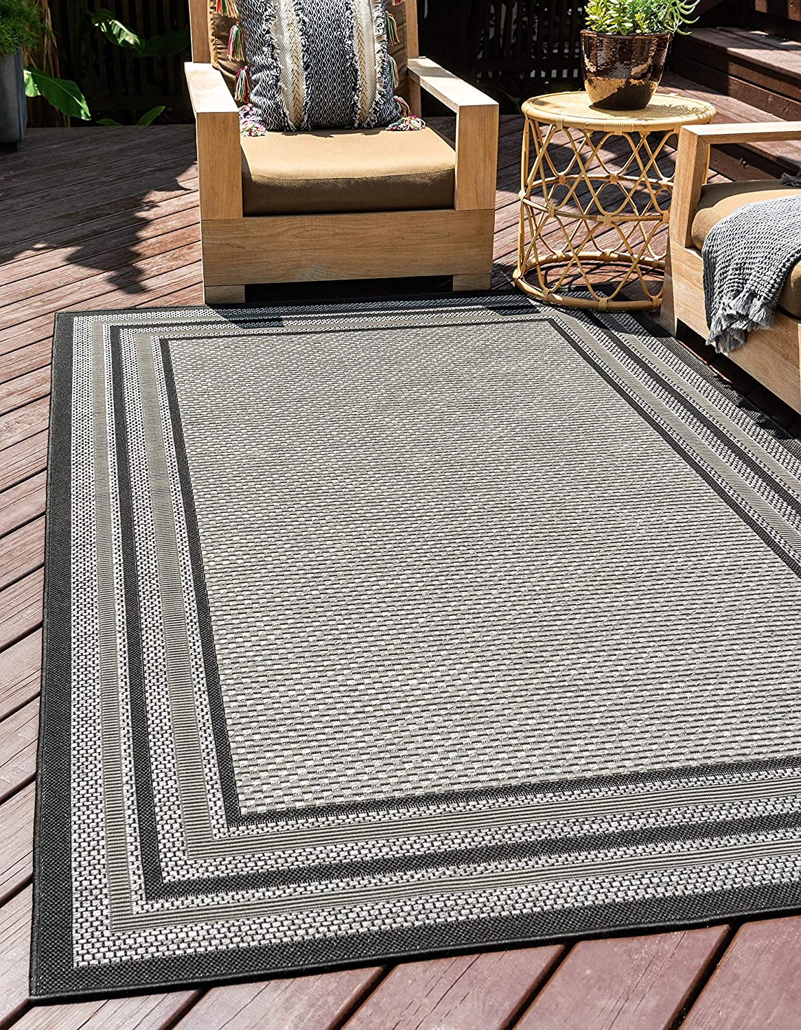 Unique Loom Outdoor Border Collection Solid Casual Transitional Indoor and Outdoor Flatweave Gray Area Rug (3' 3 x 5' 0)