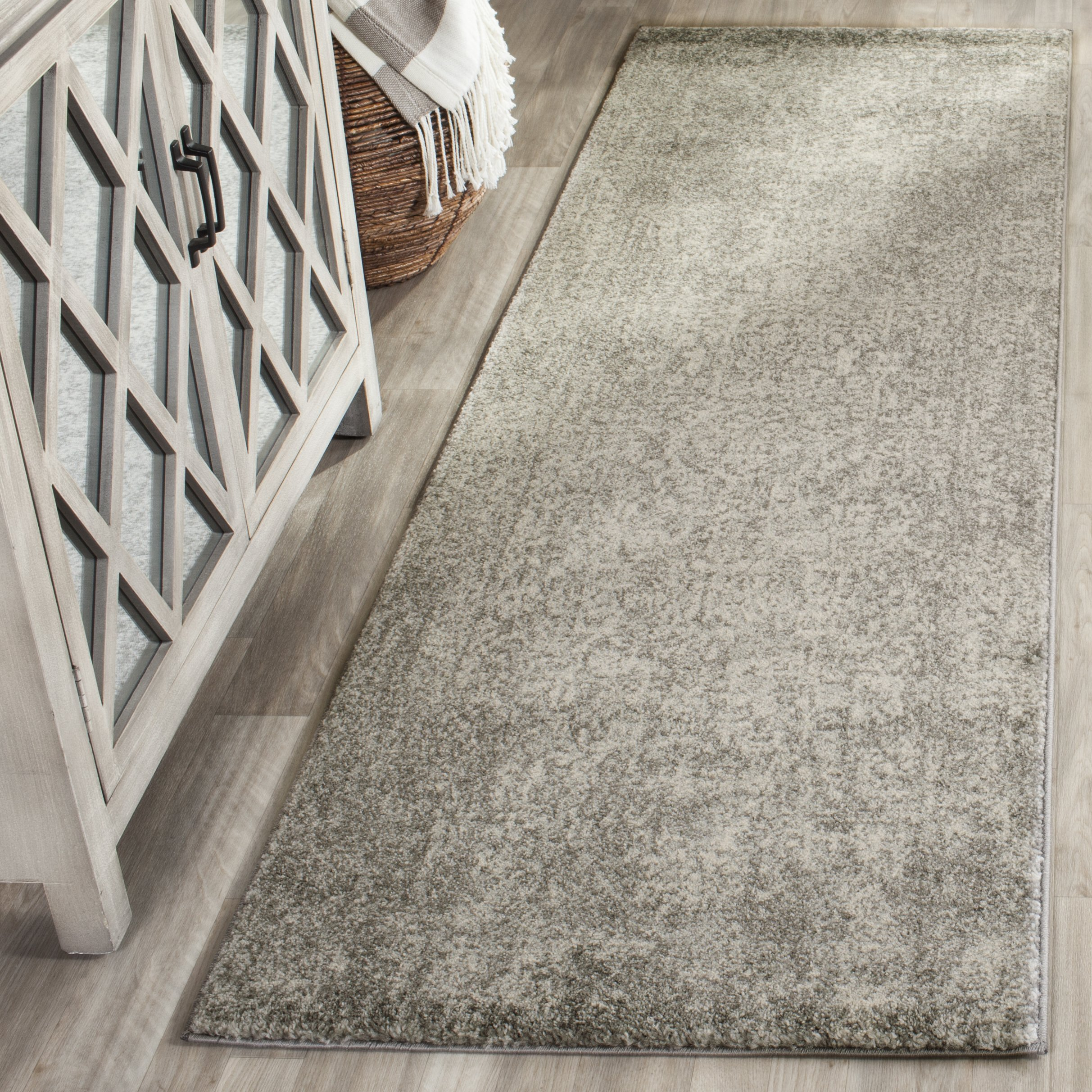 Safavieh Evoke Collection EVK256S Vintage Oriental Silver and Ivory Runner (2'2'' x 15')