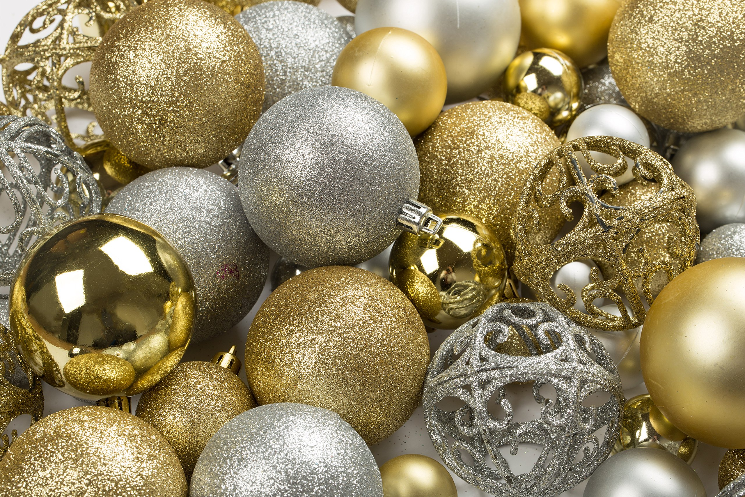 100 Gold And Silver Christmas Ornament Balls Shatterproof +100 Metal Ornament Hooks, Hanging Ornaments for Indoor/ Outdoor Christmas Tree, Holiday Party, Home Decor