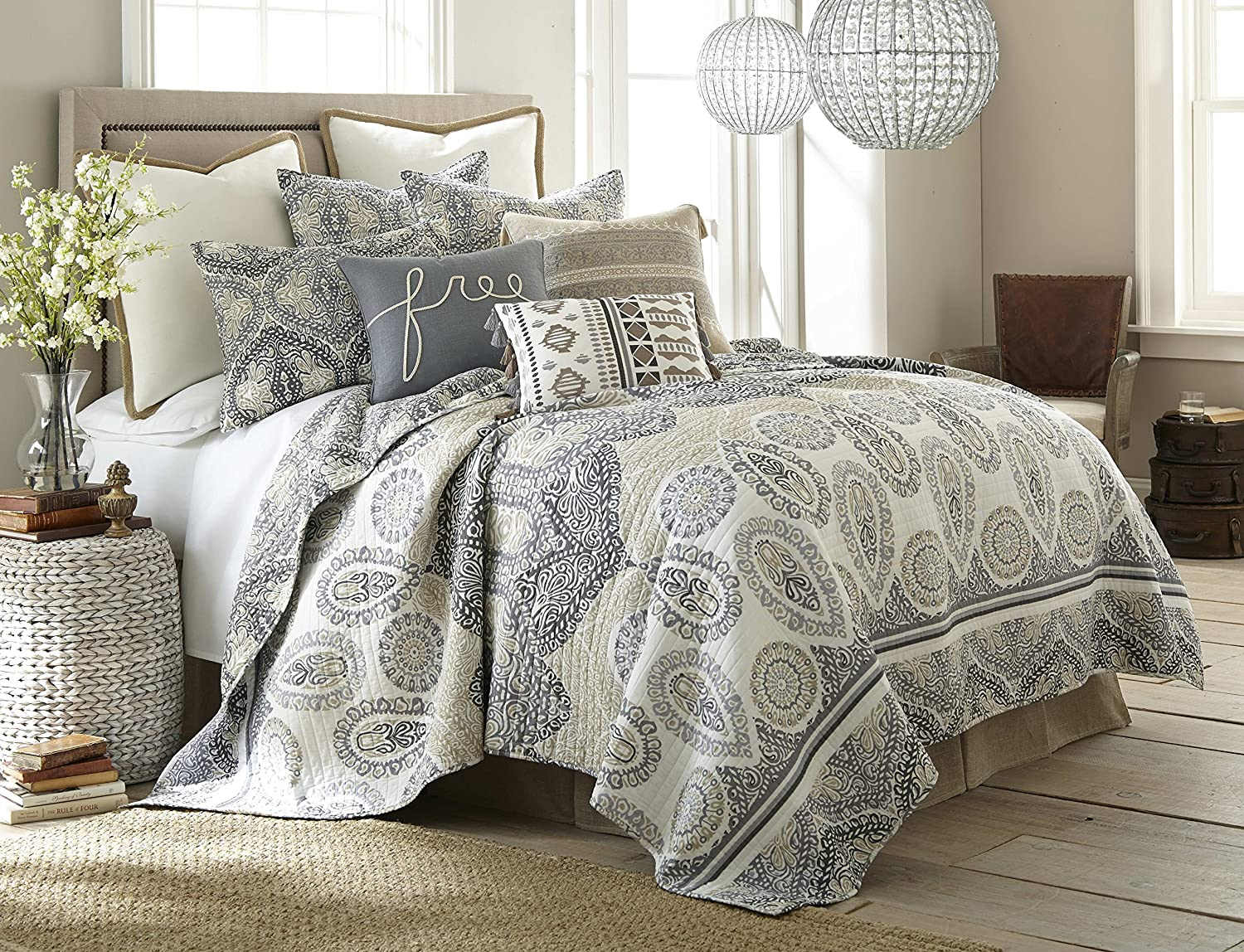 Levtex Trevino King Cotton Quilt Set, Blue/Tan, Medallion