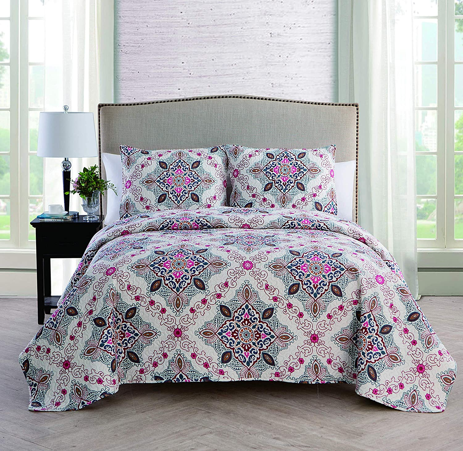 VCNY Home Wyndham 3 Piece Reversible Quilt Set, King, Multi
