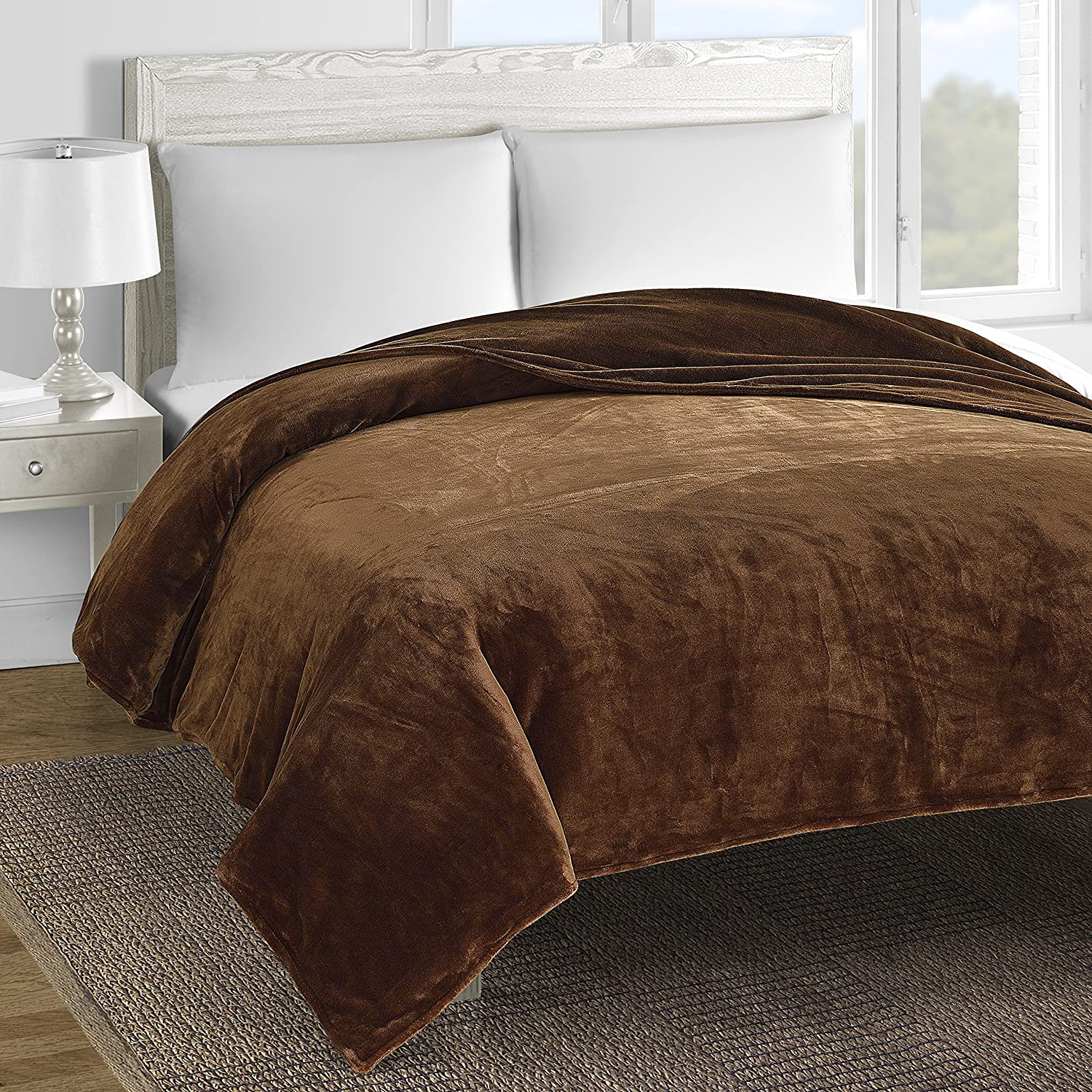 Layer Soft and Cozy Fleece Bed Blanket (Twin, Brown
