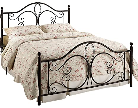 Hillsdale Furniture Milwaukee Bed Set with Rails, Queen, Antique Brown