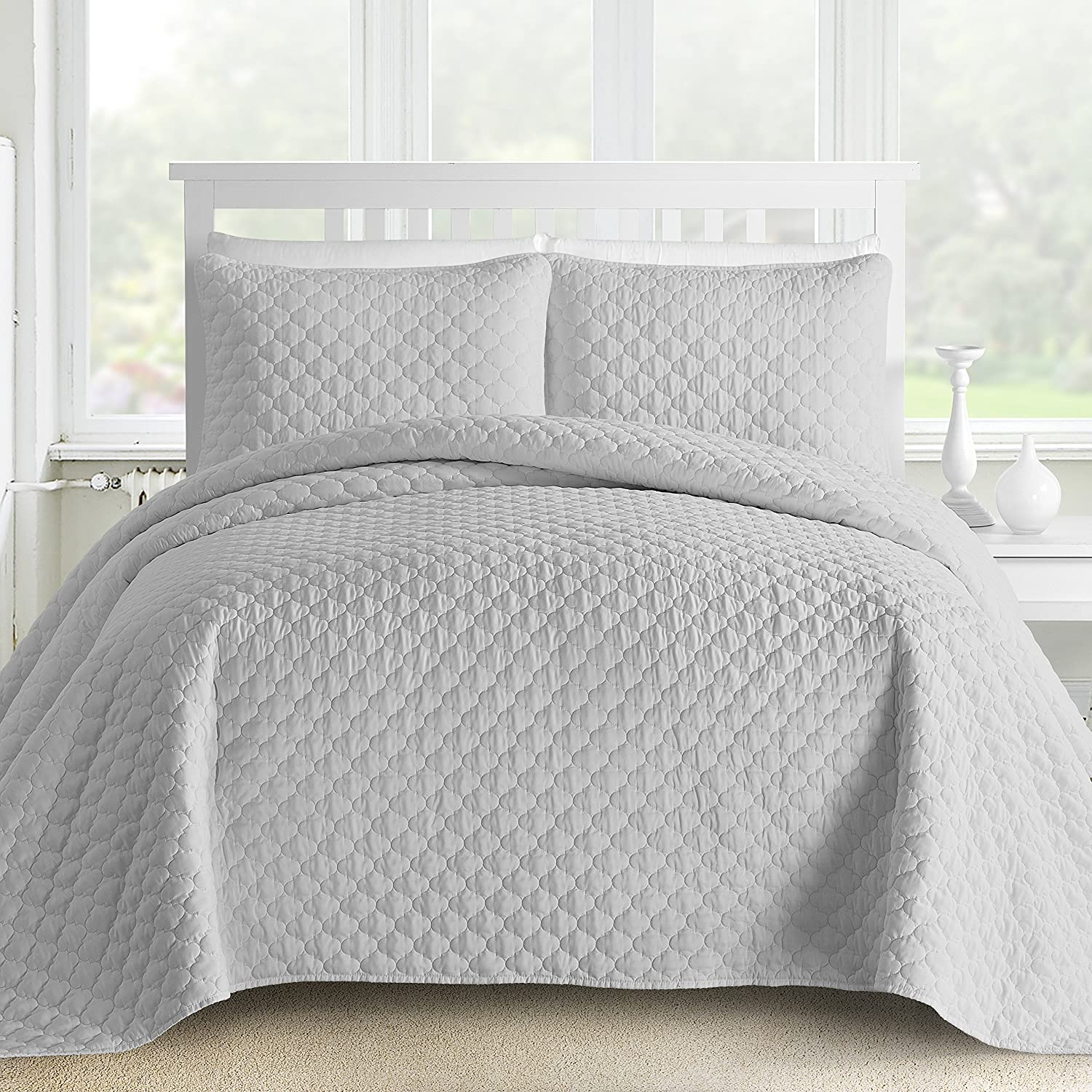 Comfy Bedding Oversized and Prewashed Lantern Ogee Quilted 3-piece Bedspread Coverlet Set (Full/Queen, Beige)
