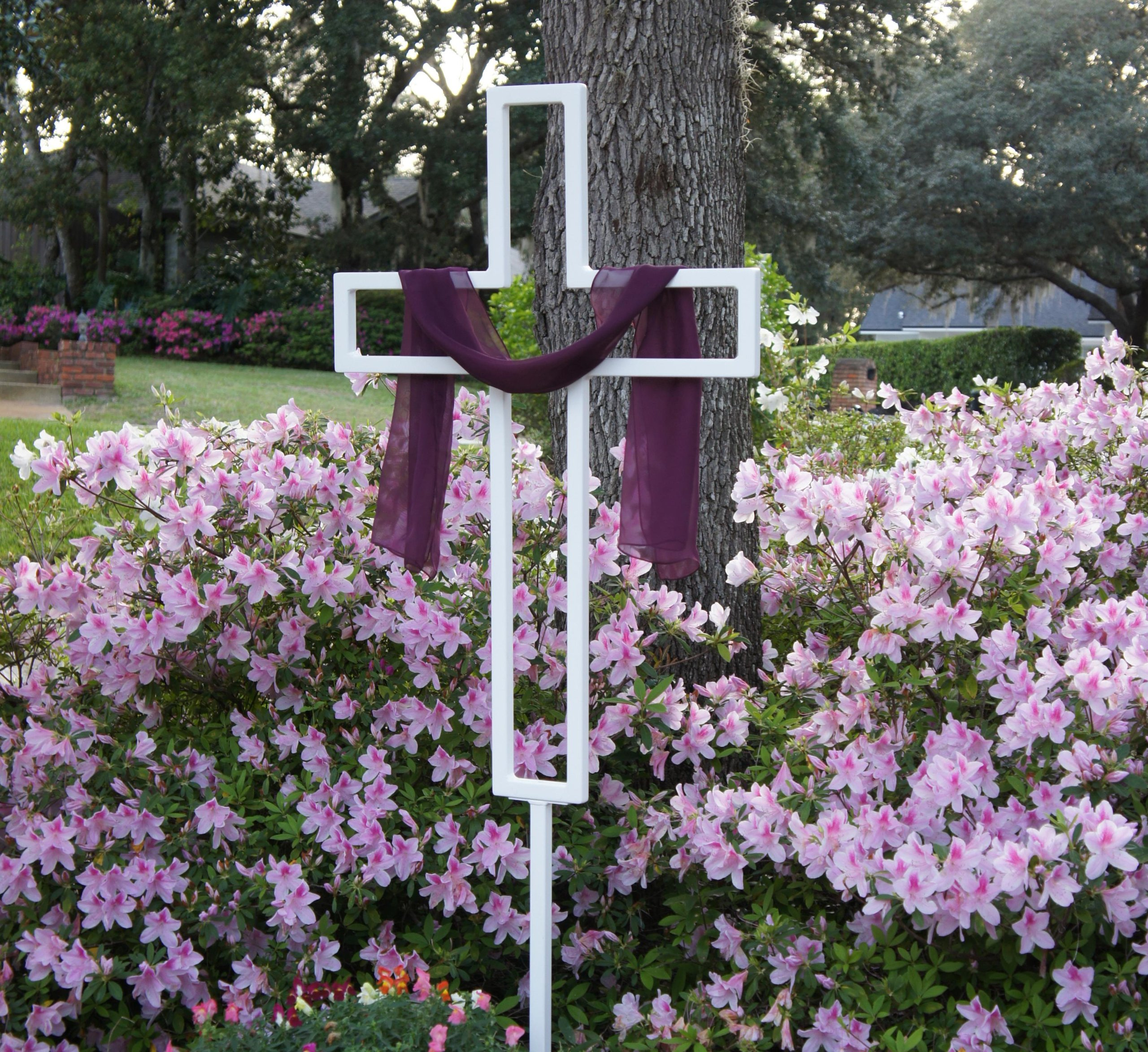 Teak Isle Tall Easter Yard Cross for Lawn or Garden, White Powder Coat, 6-Feet