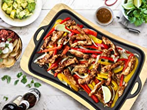Jim Beam JB0206 Cast Iron Fajita Pan with Wooden Trivet, Pre-Seasoned Ideal for Barbecuing and Camping, Large Black