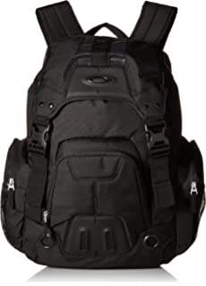 785e46e880 Amazon.com  Oakley Mens Enduro 30L 2.0 Backpack One Size Blackout ...