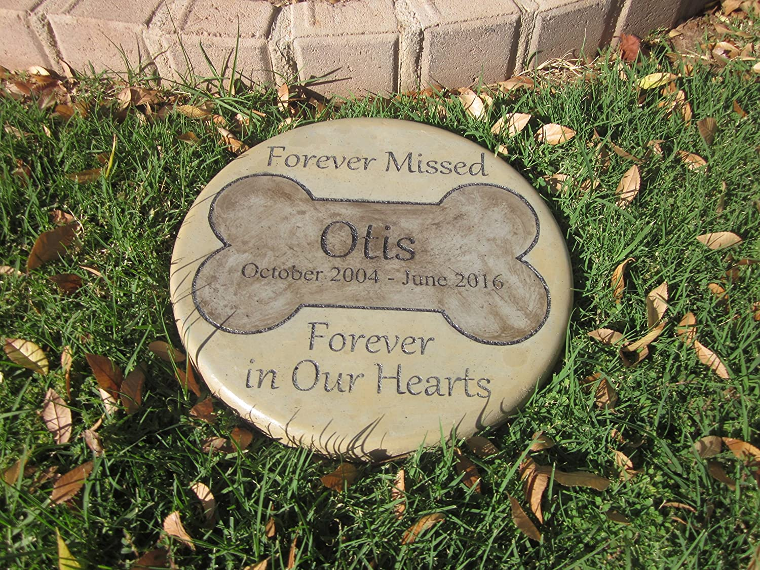 Garden Stones Engraved Amazon personalized pet memorial step stone 11diameter amazon personalized pet memorial step stone 11diameter forever missed forever in our hearts outdoor decorative stones garden outdoor workwithnaturefo