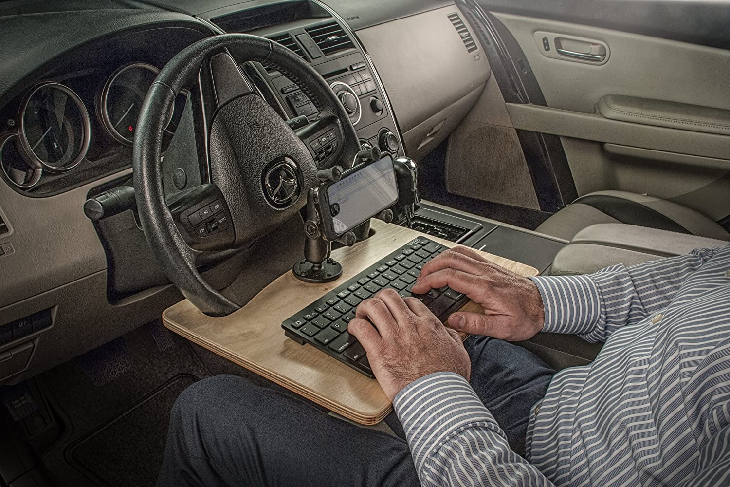 AutoExec WMEX-07 Wheelmate Extreme Vehicle Desk with Smartphone X-Grip Mount and Bluetooth Keyboard