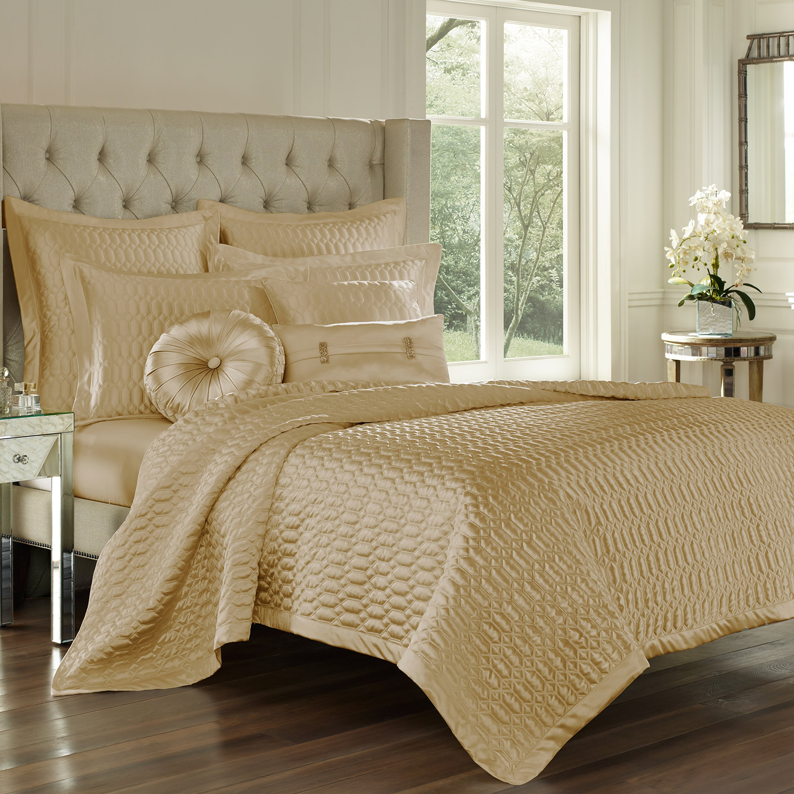 Five Queens Court Saranda Satin Geometric Quilted Coverlet King, Gold by Five Queens Court