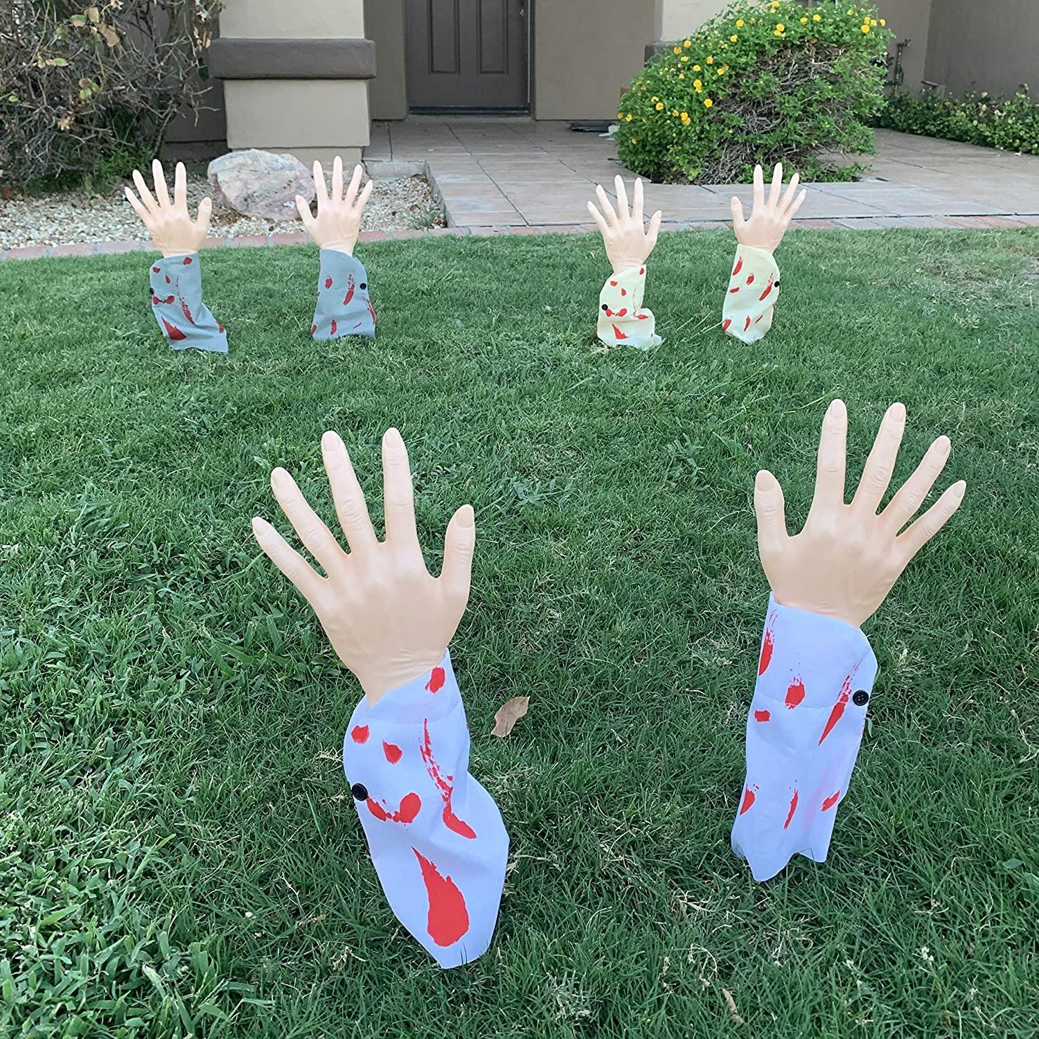 JOYIN Realistic Zombie Arm Stakes with Blood Stain, Halloween Yard Groundbreaker Stakes for Halloween Outdoor Decorations (3 Pair)
