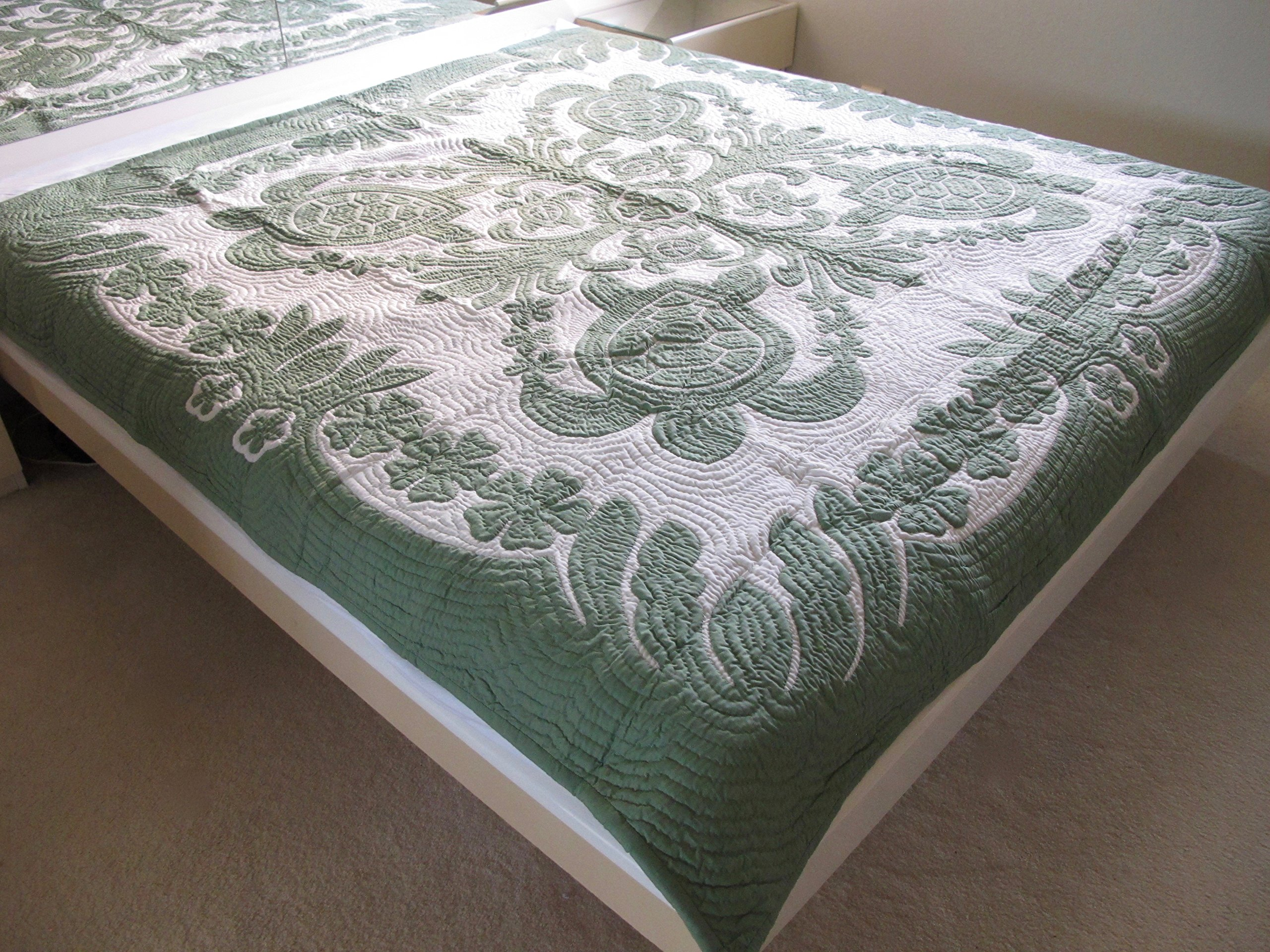 Hawaiian Quilt Full/twin Bedspread, 100% Hand Quilted and 100% Hand Appliquéd, Wall Hanging 80'' x 80''