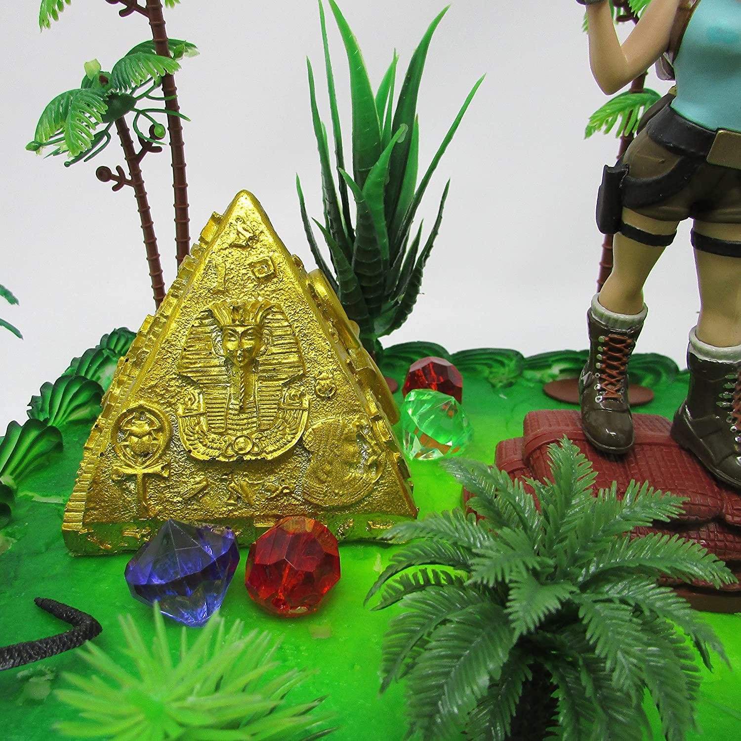 TOMB RAIDER Lara Croft Deluxe Birthday Cake Topper Set Featuring Figure and Decorative Themed Accessories Cake Toppers