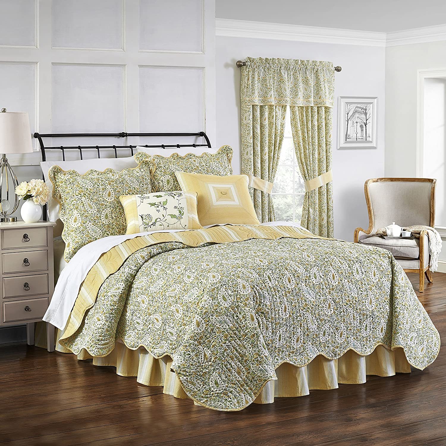Waverly Paisley Verveine Reversible Quilt Collection, King, Spring
