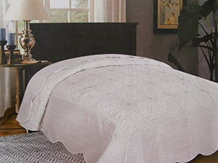Misure Copriletto Matrimoniale Uncinetto.Copriletto Trapuntato Elegance Con Imbottitura Da 200 Gr Misura 2