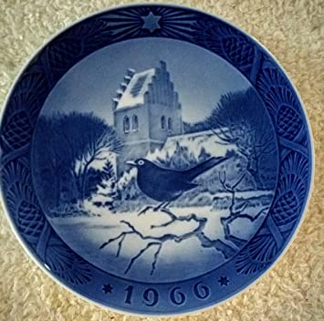 Amazon.com: 1966 Royal Copenhagen Christmas Plate - Blackbird ...