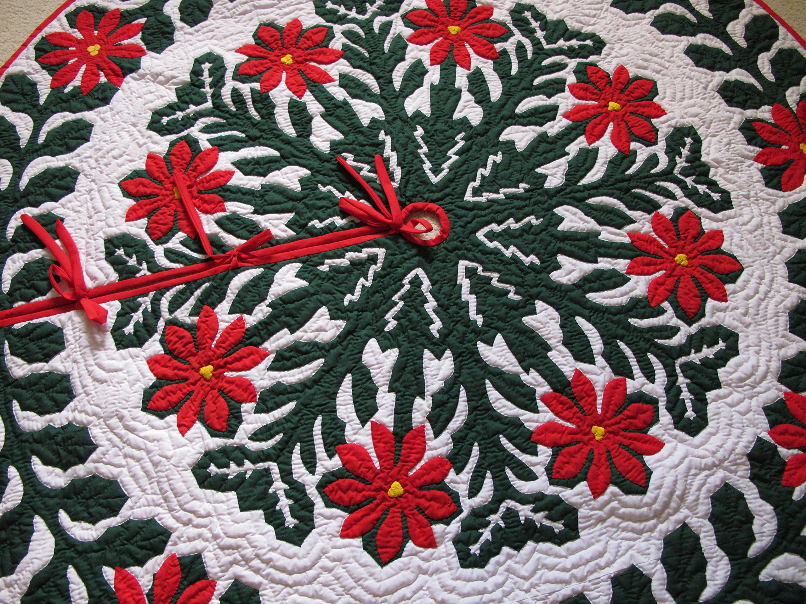 Hawaiian Quilt 100% Hand Quilted and 100% Hand Appliqued Christmas Tree Skirt 60'' by Hawaiian Quilt Wholesale (Image #2)