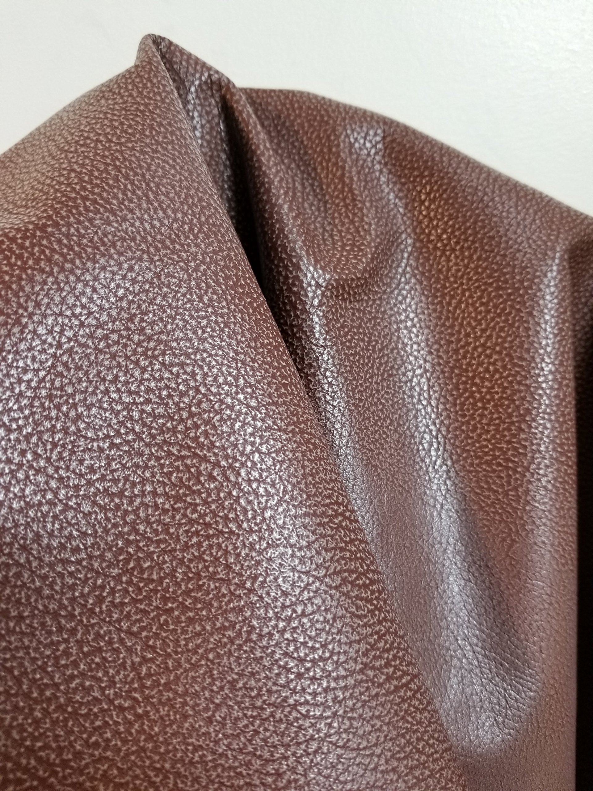 Gold Crackled Italian Metallic 5-7 Square Feet 1.5 oz 0.8-1.0 mm Soft Goat Skin Upholstery Garment Handbag Crafting Genuine Leather Skin Hide Tooling Crafting About 24 x30 5-7 sq.ft.