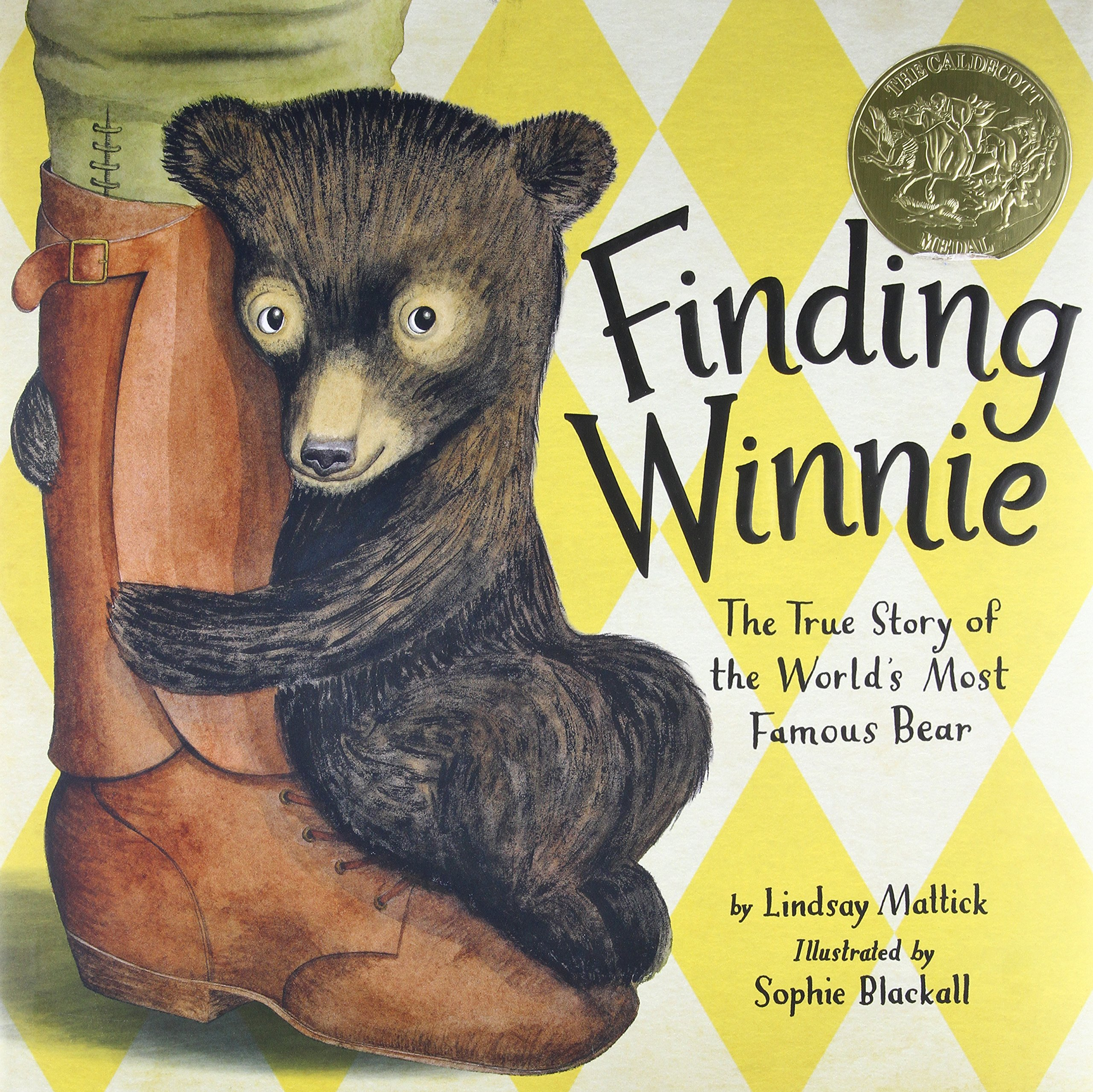 Finding Winnie: The True Story of the World's Most Famous Bear: Mattick,  Lindsay, Blackall, Sophie: 9780316324908: Amazon.com: Books