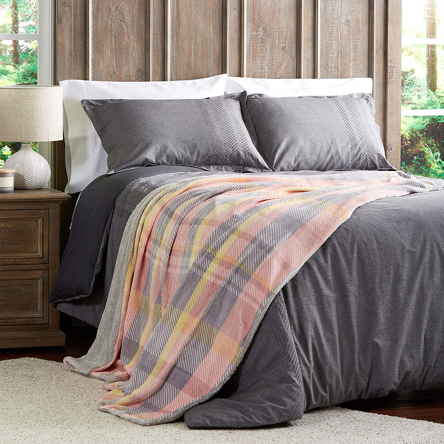 Lavish Home Collection Blanket Oversized Plush Woven Polyester Sherpa Fleece Plaid Throw Breathable and Machine Washable Modern Blush