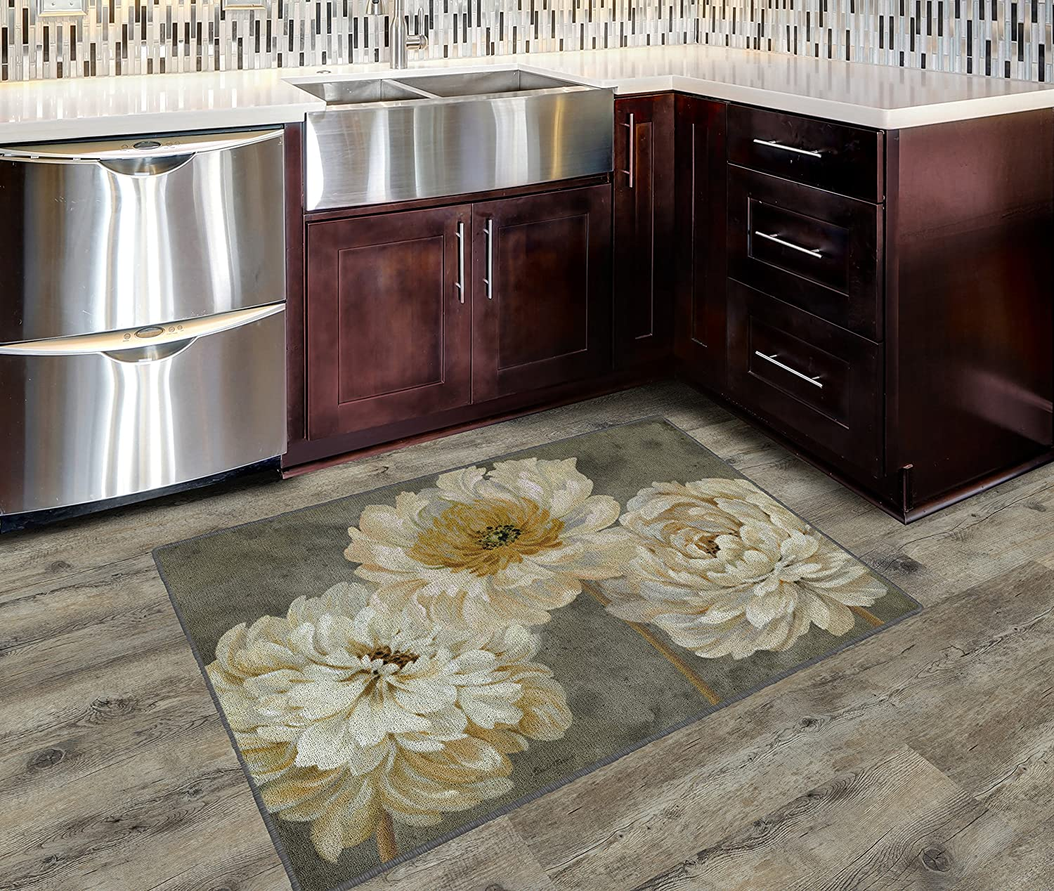 """Brumlow Mills Pearl Grey Floral Study Kitchen And Entryway Rug, 2'6"""" x 3'10"""""""