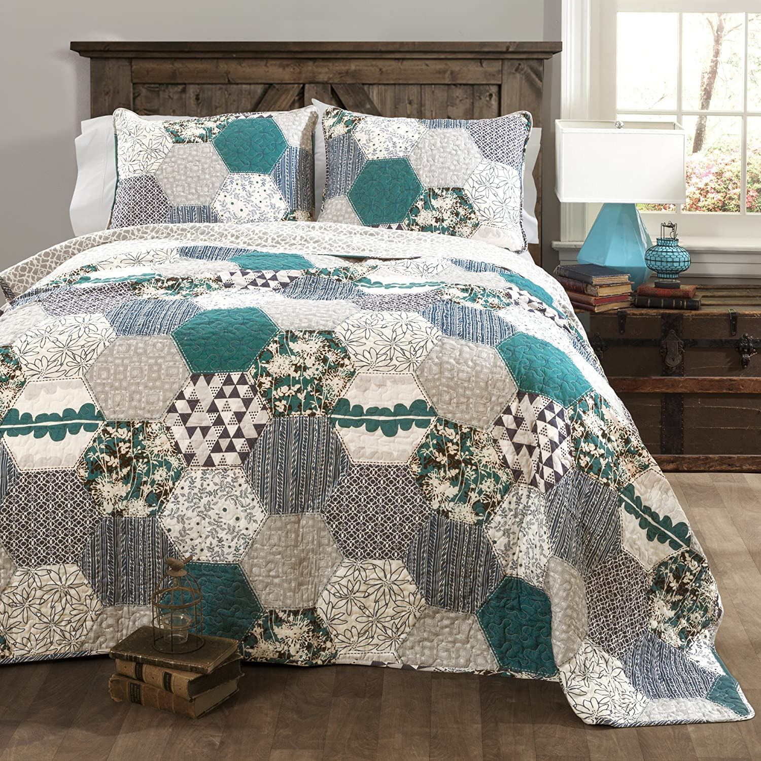 Lush Decor Briley Quilt 3 Piece Reversible Print Hexagon Pattern Patchwork Neutral Bedding Set, King, Turquoise Blue