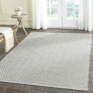 Amazon Com Safavieh Montauk Collection Mtk716a Handmade Cotton Area Rug 3 X 5 Ivory Grey Furniture Decor