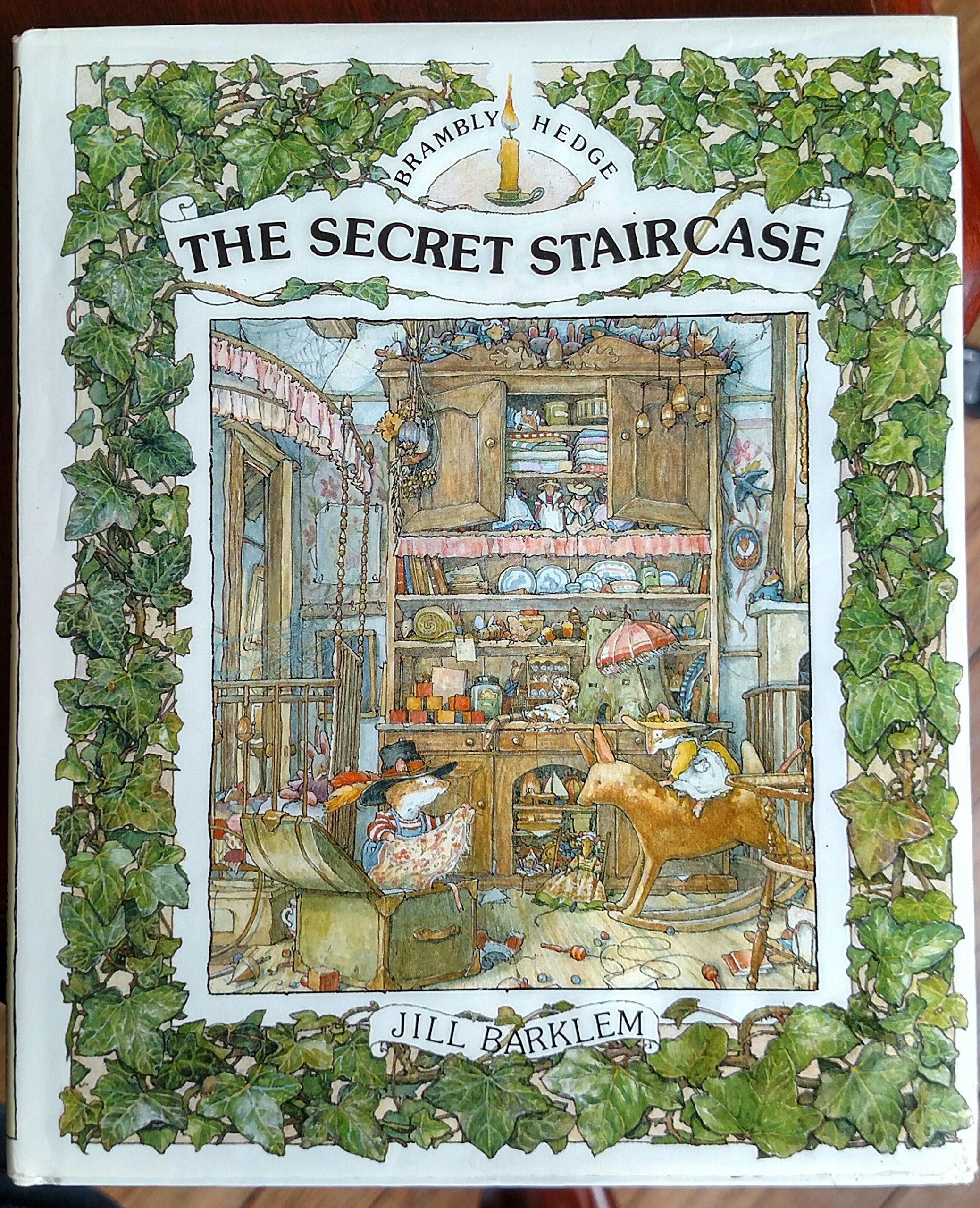 The Secret Staircase (Miniature Edition): Jill Barklem: 9780399218651:  Amazon.com: Books