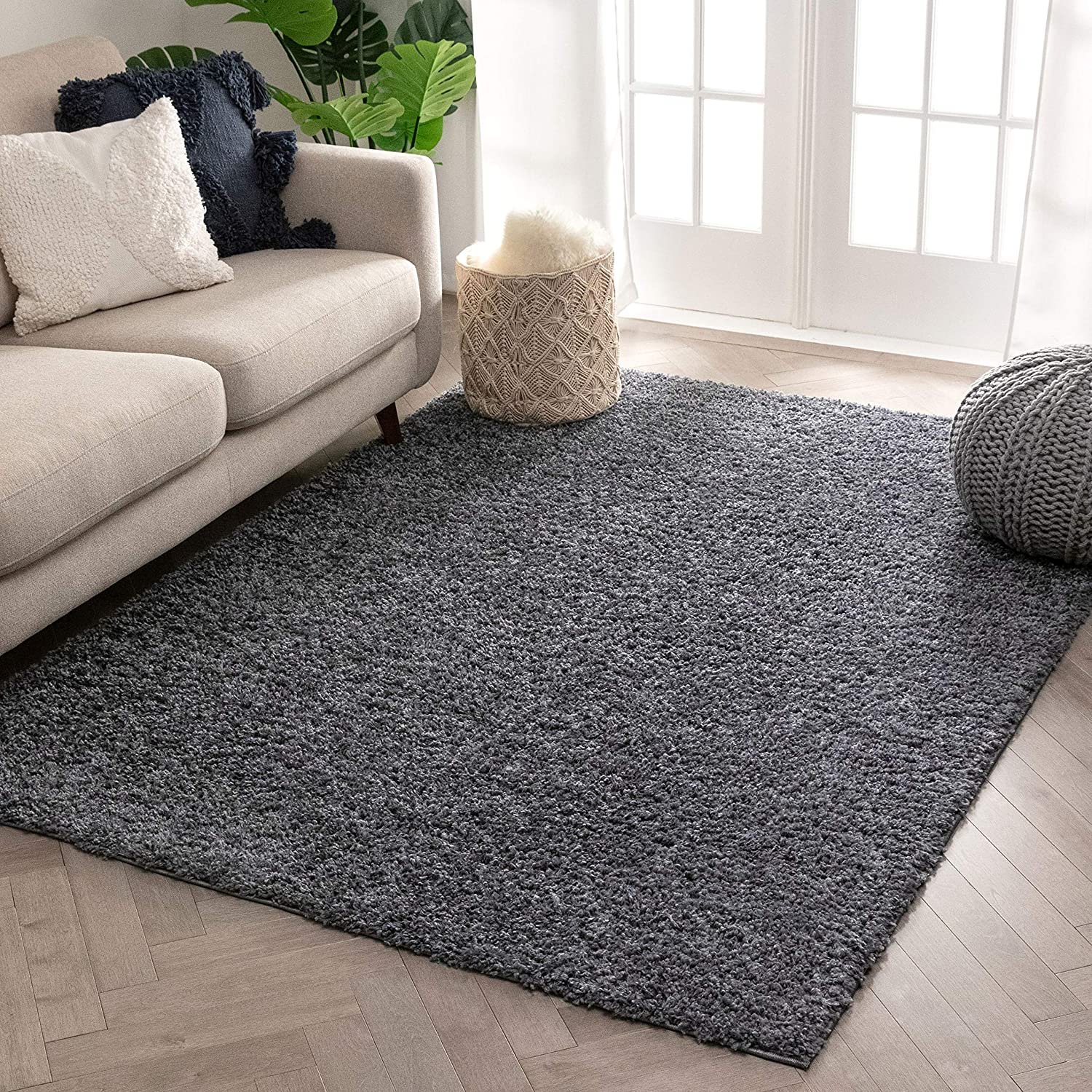 Amazon Com Well Woven Solid Color Shag Dark Grey Cozy 1 Thick Area Rug 9x13 9 3 X 12 6 Home Kitchen