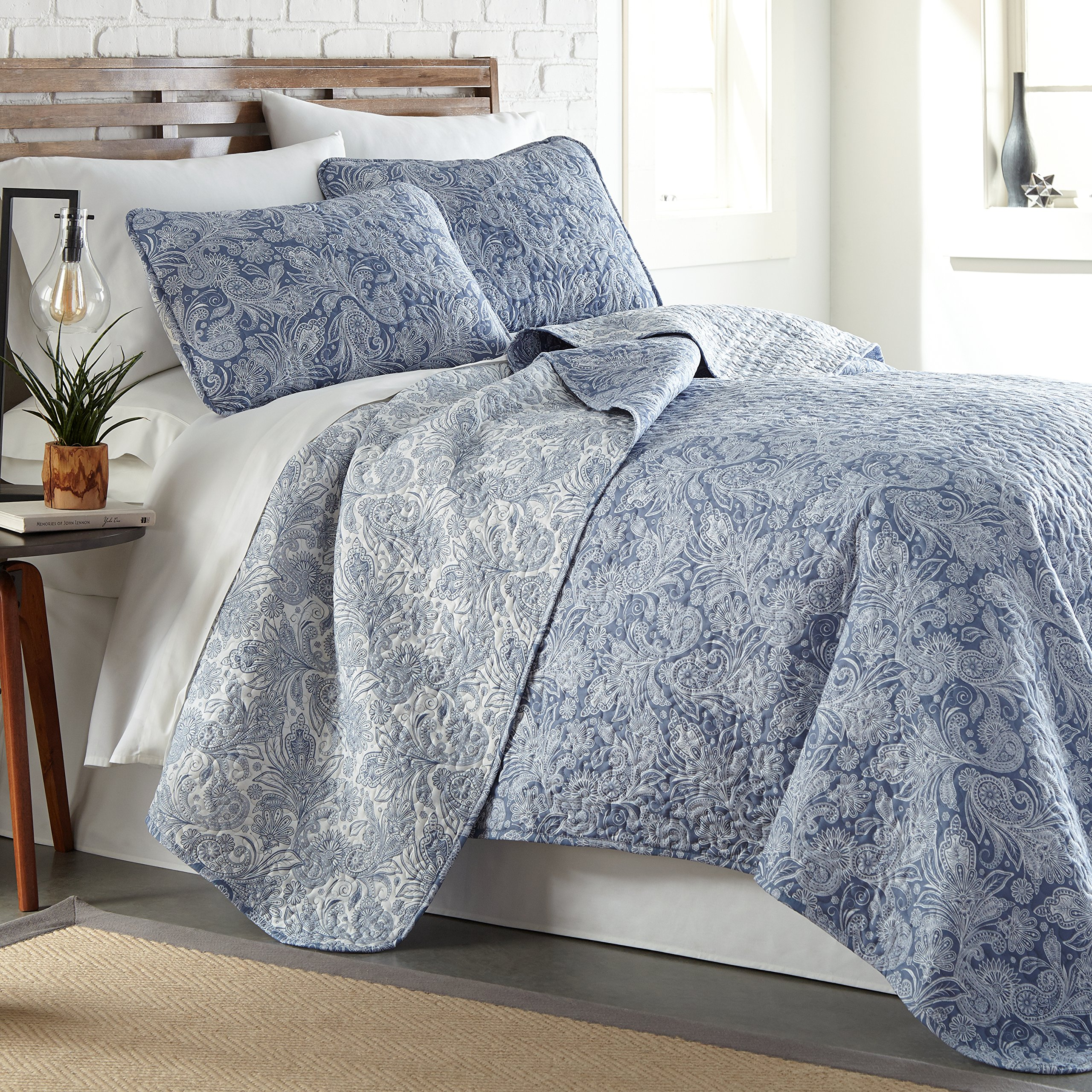 Southshore Fine Linens - Perfect Paisley Collection - Lightweight, Reversable 3-Piece Quilt Set, Blue, King/California King