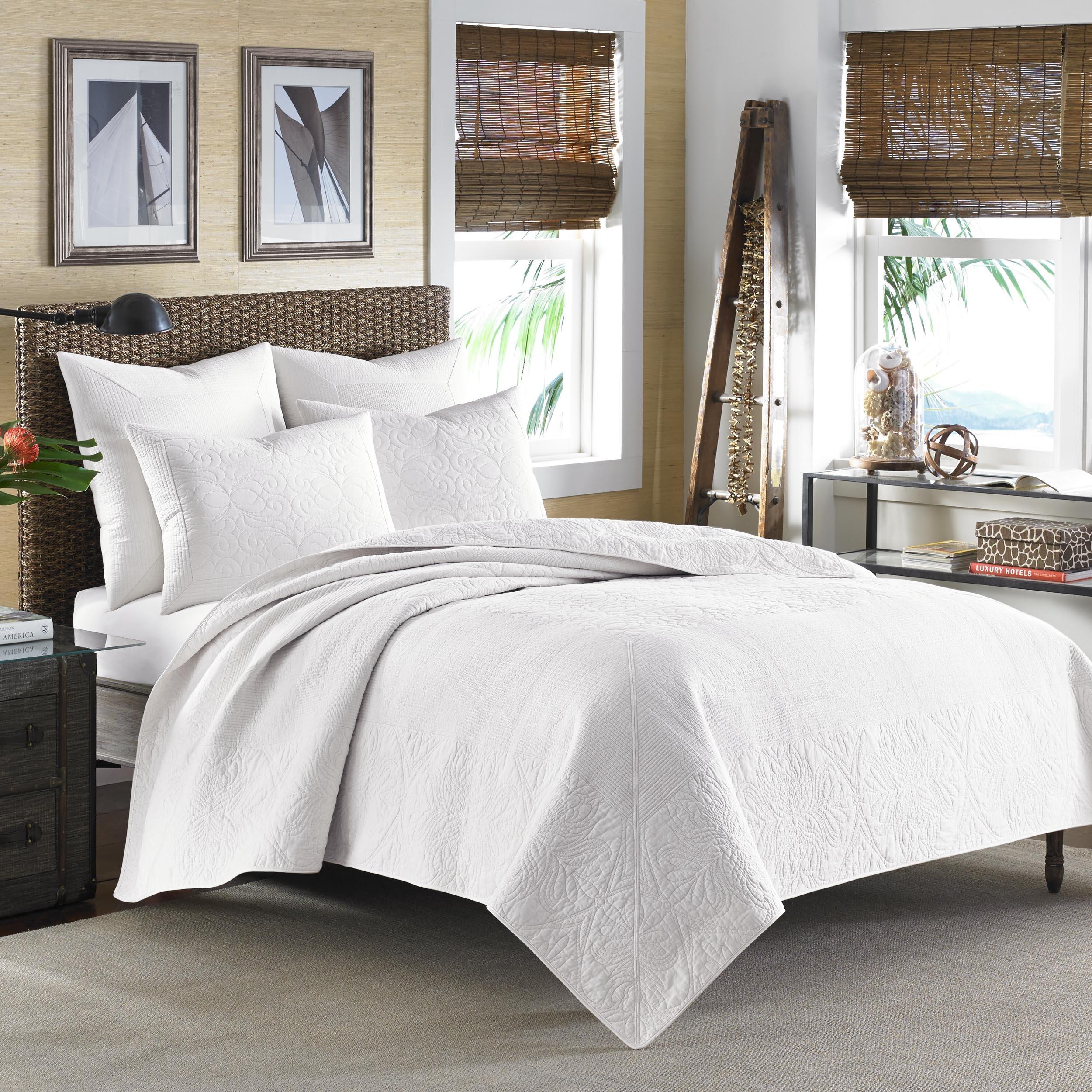 Tommy Bahama Nassau White Quilt ,Full/Queen