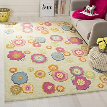 Amazon Com Safavieh Kids Collection Sfk316a Handmade Floral Wool Area Rug 5 X 8 Light Green Multi Furniture Decor