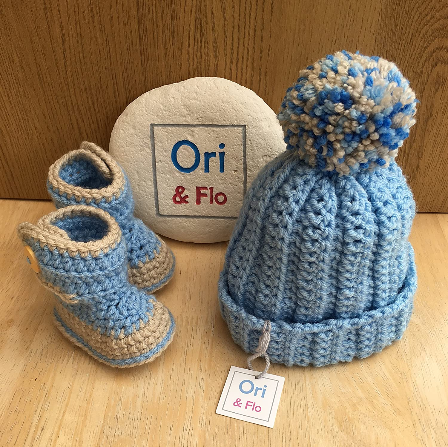 Baby Booties and Hat Set– 3-6 months - Machine Washable