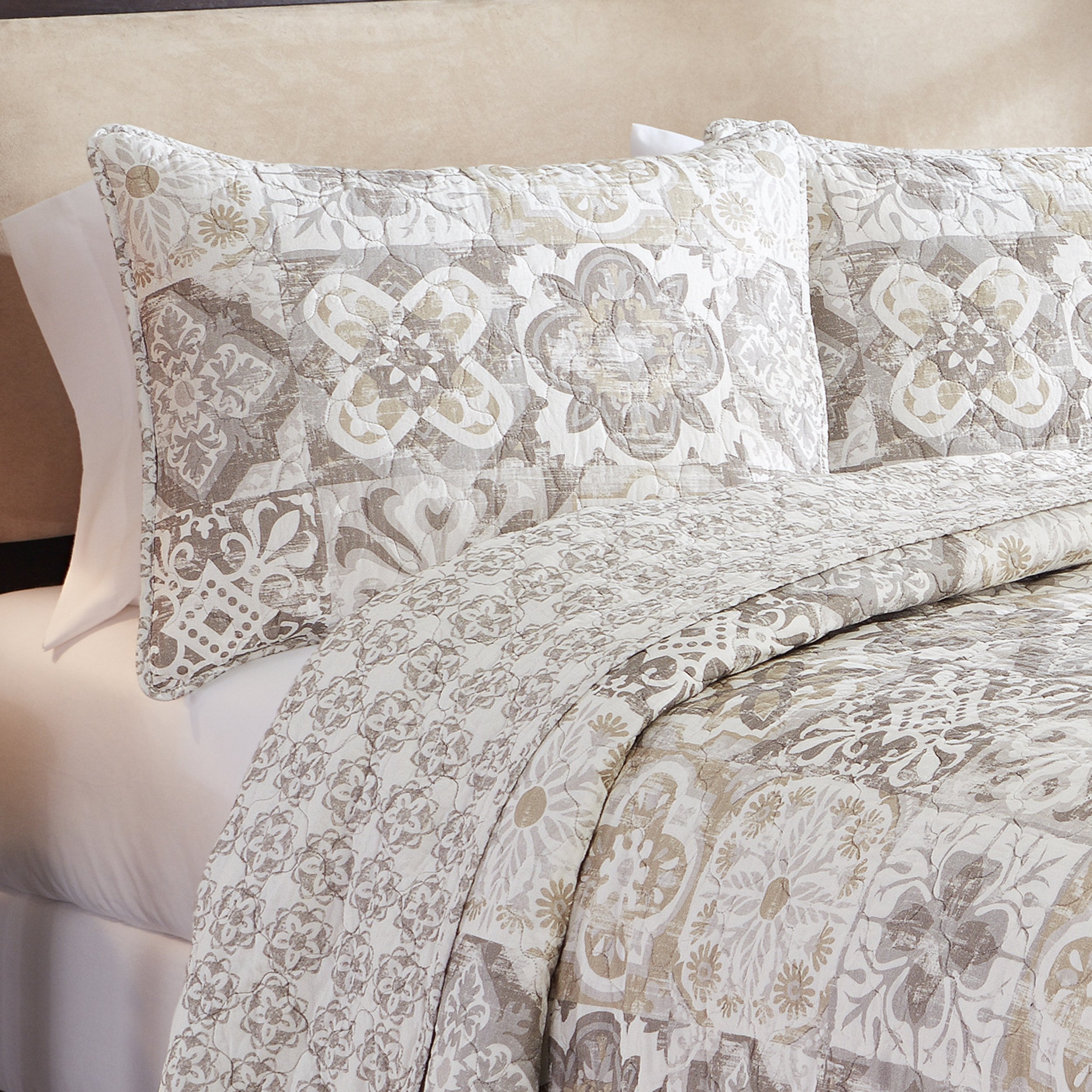 Marble Hill 16213BEDDKNGTAU Torrey 102-Inch by 90-inch 3-Piece Reversible King Quilt Set, Taupe