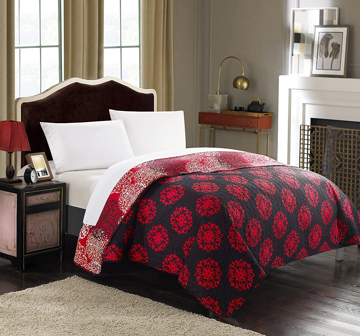 King Chic Home 1 Piece Judith Boho Inspired Reversible Print Quilt Set Beige
