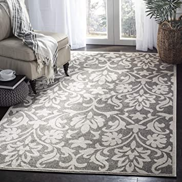 Amazon Com Safavieh Amherst Collection Amt424r Floral Area Rug 6 X 9 Dark Grey Beige Furniture Decor