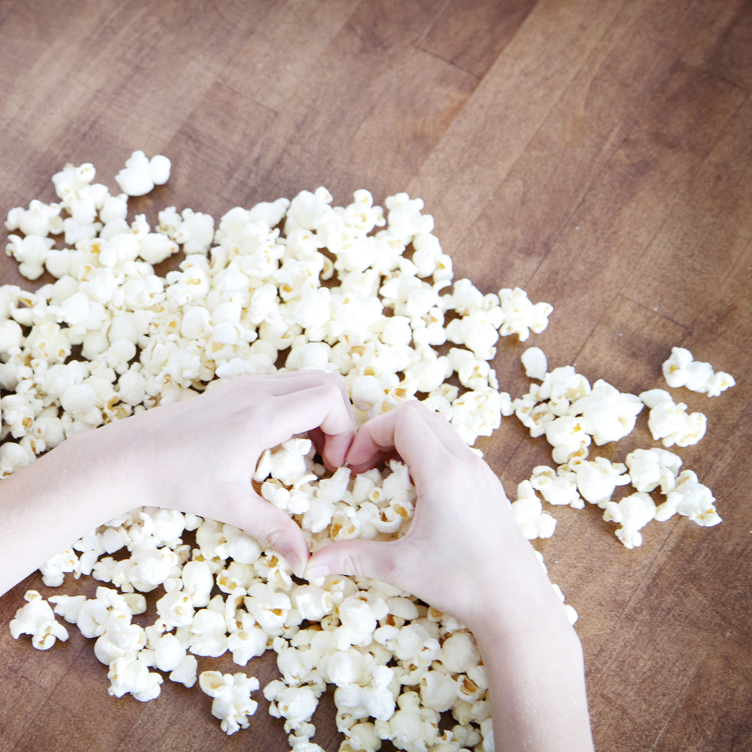 Amish Country Popcorn - 50 Pound Baby White - Small & Tender Popcorn - Perfect for Fundraisers - Non GMO, Gluten Free, Microwaveable, Stovetop and Air Popper Friendly With Recipe Guide by Amish Country Popcorn (Image #5)
