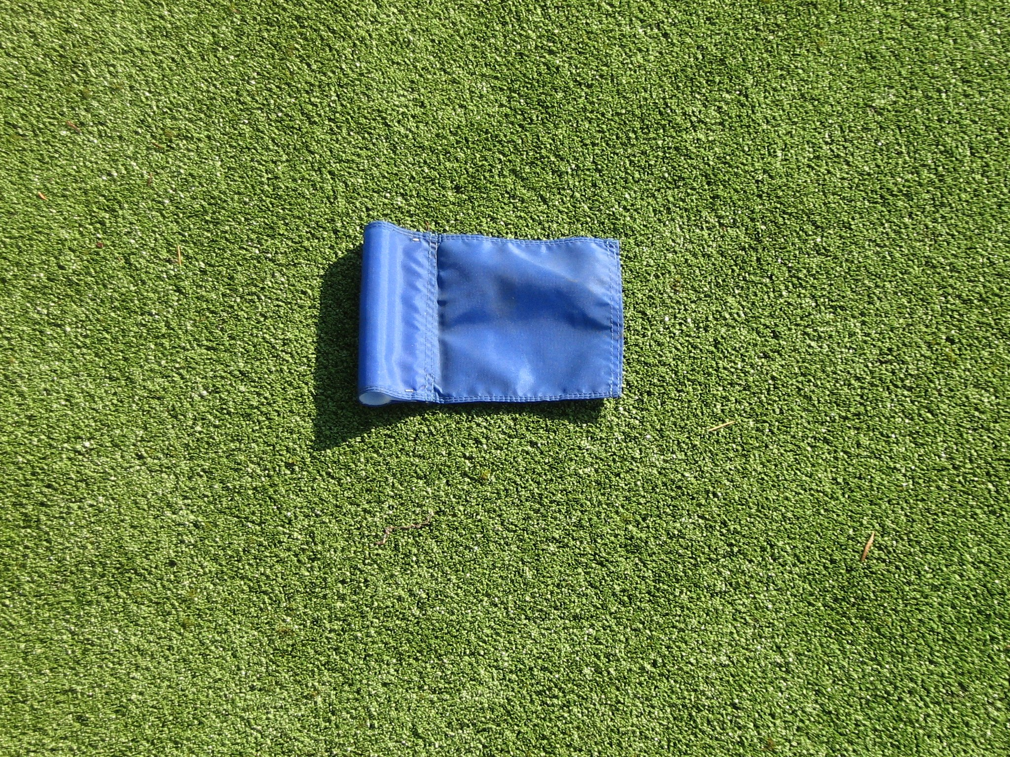 Practice Putting Green - Natural or Synthetic - Accessory Kit - (3) Aluminum 4'' Deep Regulation Cups + (1) Solid Blue Jr. Flag + (1) 30'' Golf Pin Marker w/ Easy Grip Knob & Attached Ball Lifter Disk by ShopTJB (Image #3)