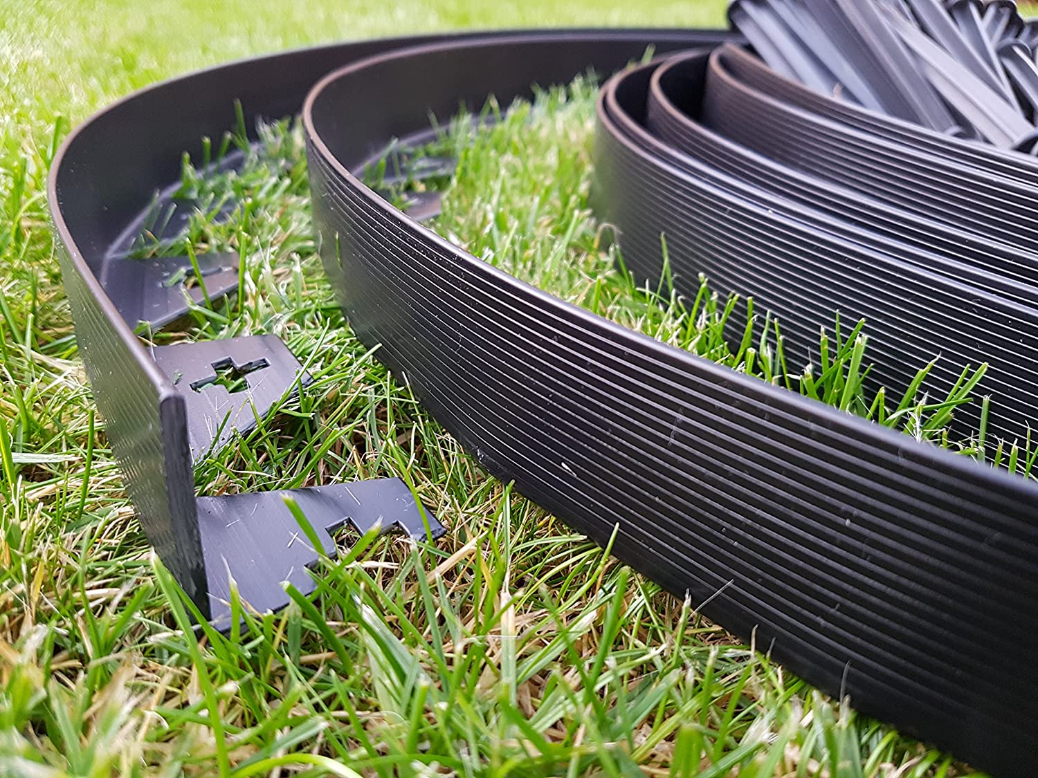 10 metres of BLACK Flexible Plastic GARDEN EDGING with 50 STRONG Securing Pegs / Anchors, Lawn Borders, Flexible Lawn Edging, Plastic Grass Edging, Garden Ideas, Garden Design ERPROF
