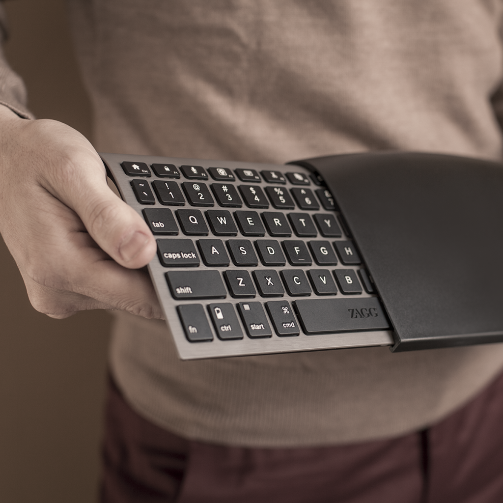 Amazon.com: ZAGGkeys Case With Universal Wireless Keyboard For All Bluetooth Smartphones And