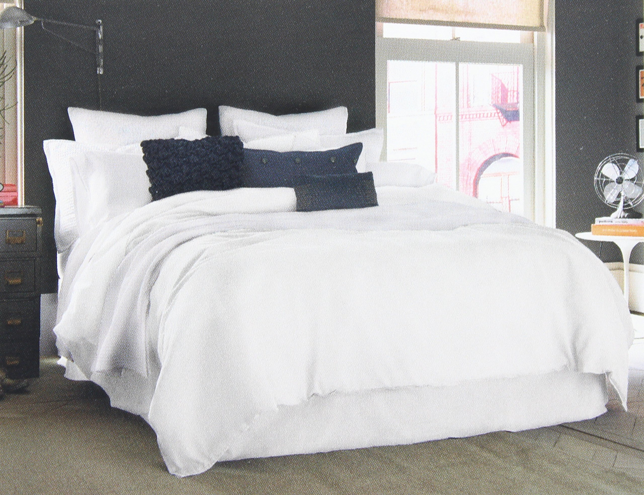 Kenneth Cole Reaction Home King Sized Duvet Cover from the Mineral Bedding Collection in a White Color