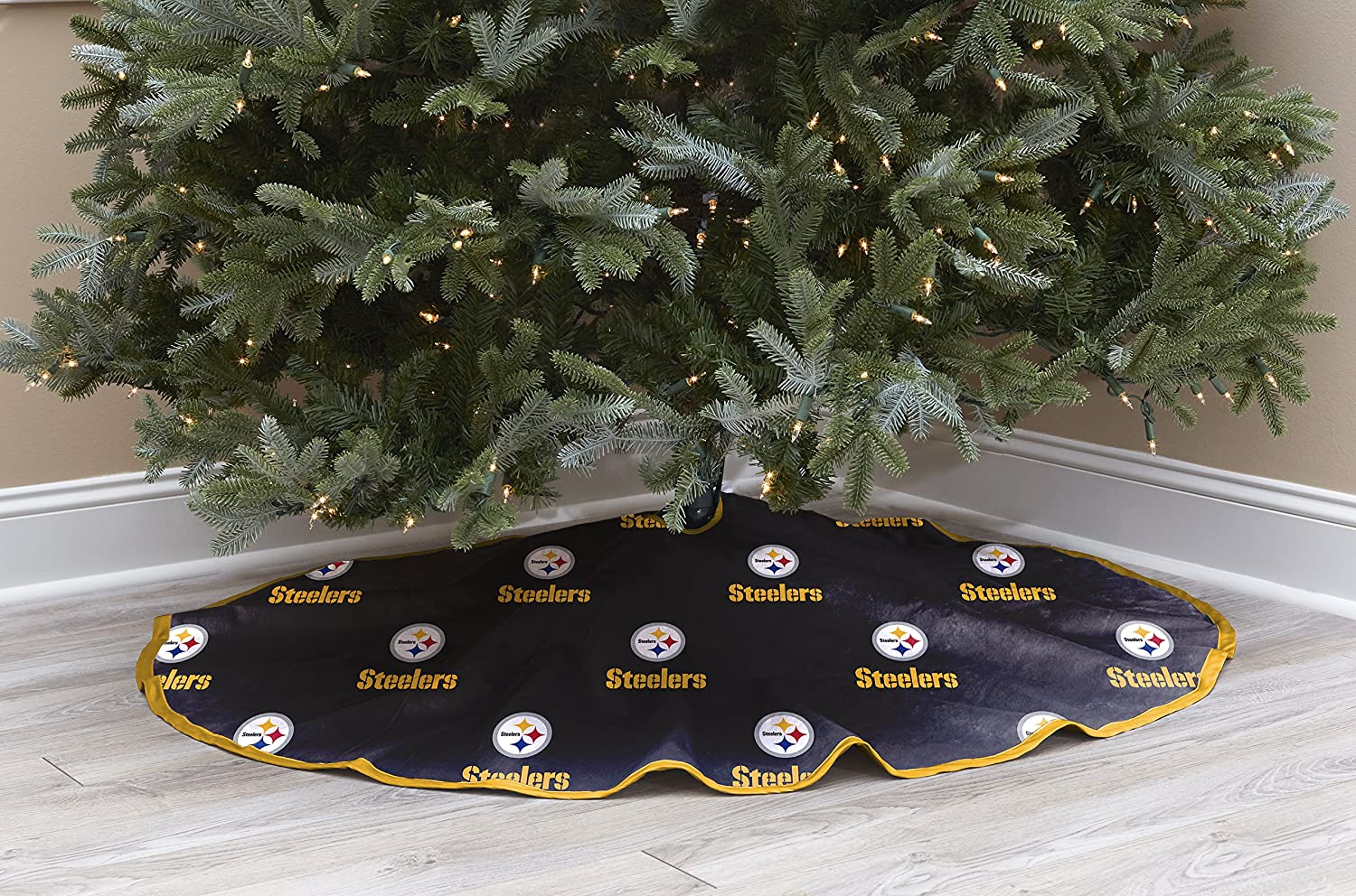 Amazon.com   Pegasus Sports NFL Pittsburgh Steelers Christmas Tree Skirt    Sports   Outdoors c1aa14ace