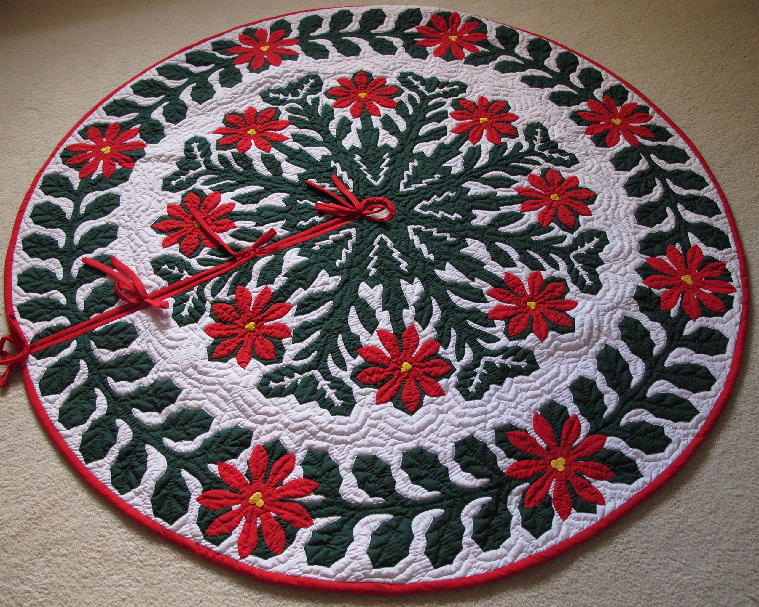 Hawaiian Quilt 100% Hand Quilted and 100% Hand Appliqued Christmas Tree Skirt 60'' by Hawaiian Quilt Wholesale (Image #1)