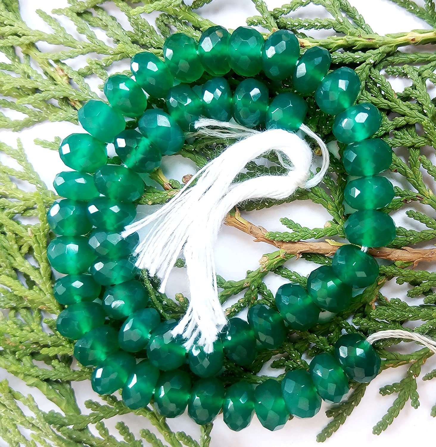 Low Cost Sell offer on 1 Strand Green Onyx 6.5 mm and 83.85 CTs. Weight and Rondelle & Faceted Shape with 9.5