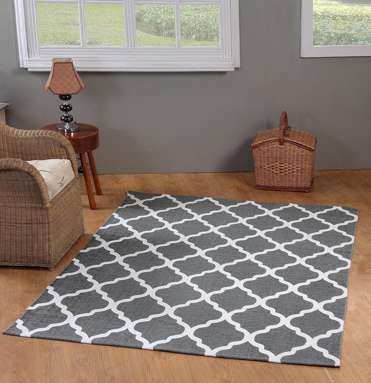 Amazon.com: Chesapeake Merchandising 5 Feet By 7 Feet Flatweave Area Rug  Moroccan Design In Grey And White: Kitchen U0026 Dining