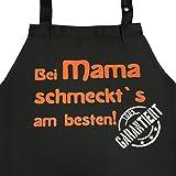 Bei MAMA schmeckt`s am besten! Garantiert! - Kochschürze, Latzschürze mit verstellbarem Nackenband und Seitentasche - Geschenk für Mutti