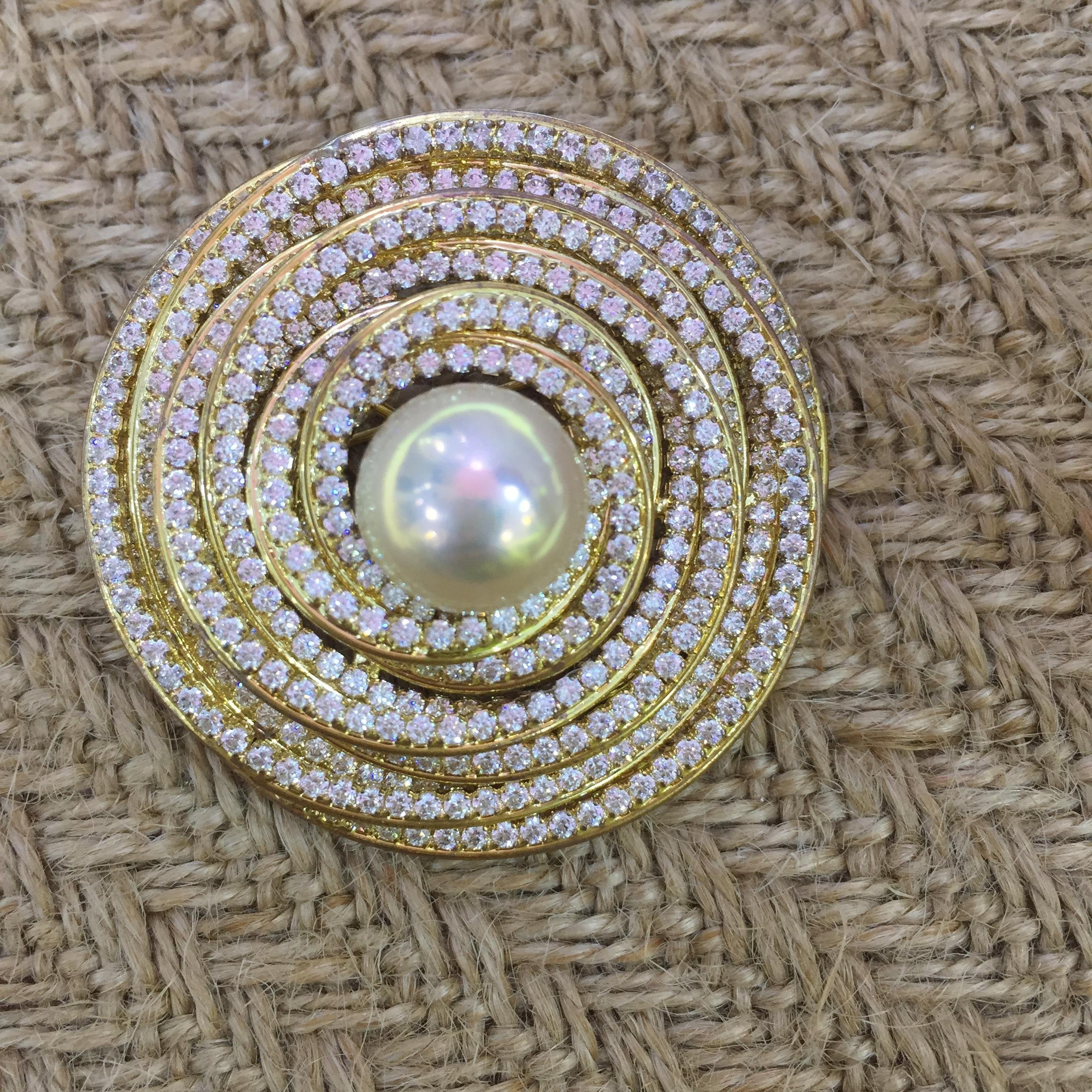 Pearl and zircon brooch/ Pearl 12mm by YY JEWELRY