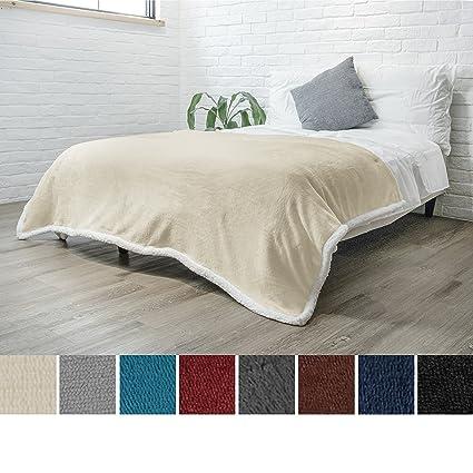 6a349e79ee Amazon.com  PAVILIA Premium Sherpa Twin Size Blanket