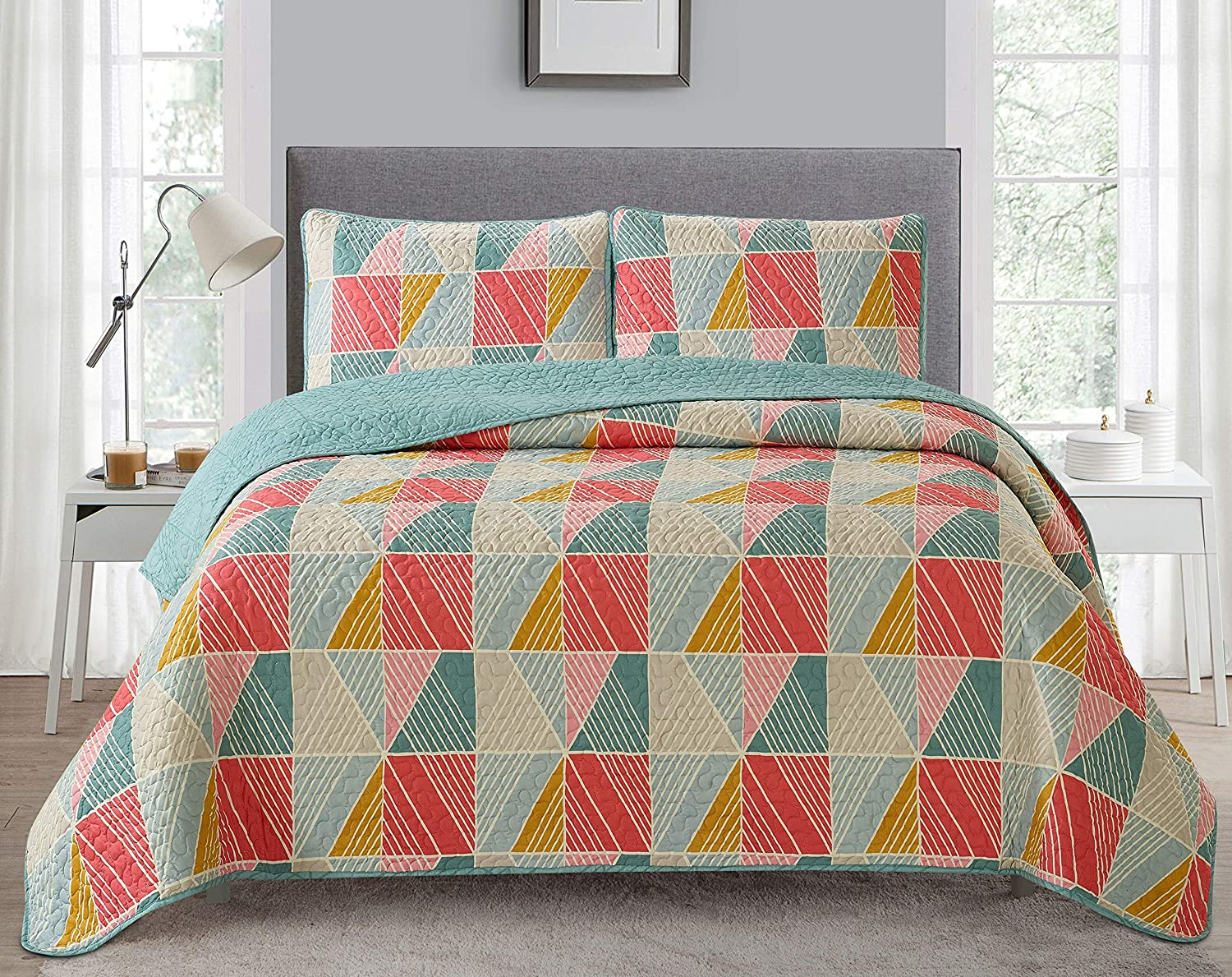Go-U Set Universal Home Fashions Quilt, King, Marianna