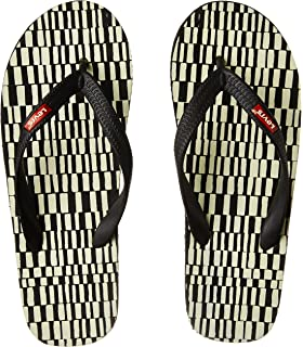 581aa29ff43 Levi s Men s Flip Flops Thong Sandals  Buy Online at Low Prices in ...